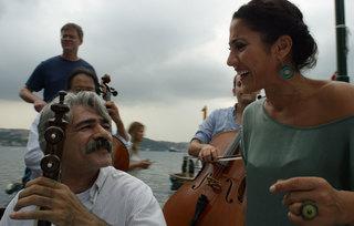The Music of Strangers - Yo-Yo Ma & The Silk Road Ensemble